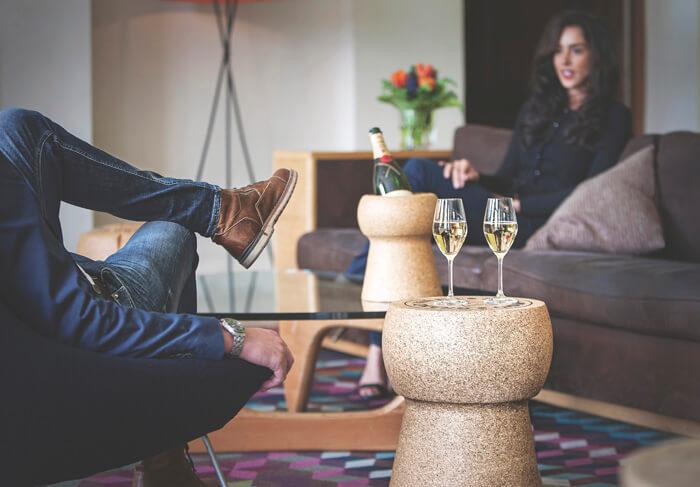 sidetable van kurk, champagnelook