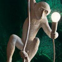 Hangende plafond lamp mét aap voor je Eureka momentjes